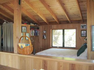 Other sleeping area in Loft.
