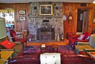Main Lodge Livingroom with ambience