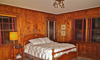 Main Lodge Master Bedroom (with ensuite)