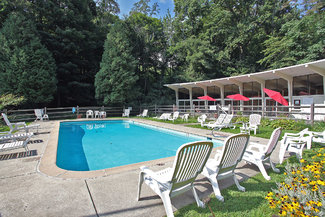 Deer Run Shores Pool and Clubhouse