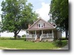Country Home With Acreage In Edmonton, KY