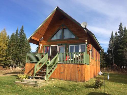 cottage on land road  quebec
