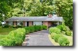 3 BR/2 BA Brick Home in Fredericksburg