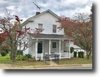 3 BR/2 BA Home w/Basement in Purcellville