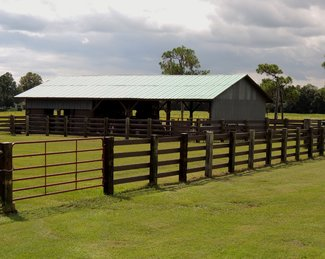 barn w/2 stalls, room for machinery and tack room