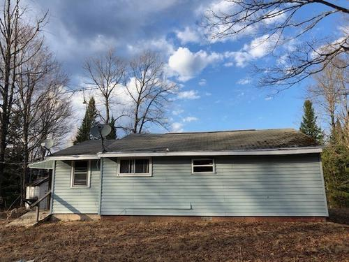 house & squaw lake rd mls property republic michigan