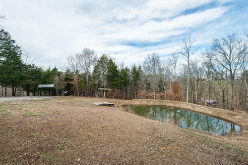 land farm rustic cabin ponds polebarn property lafayette tennessee