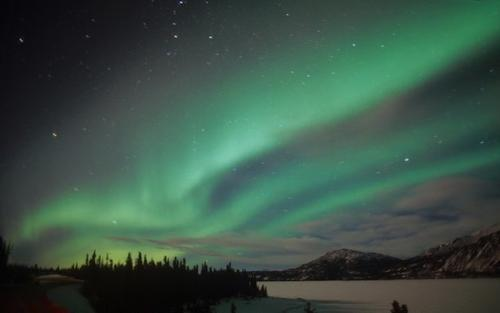 the northern lights can be seen from our lake alaska