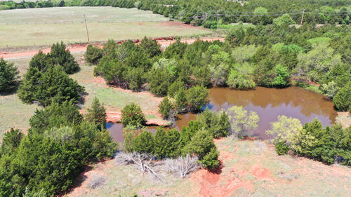 house & land grass pasture ponds property mulhall oklahoma