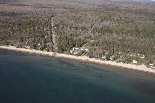 relaxing rabbit bay property lake linden michigan