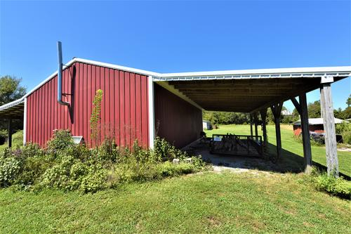 ideal hobby farm with home barn garage property greensburg kentucky