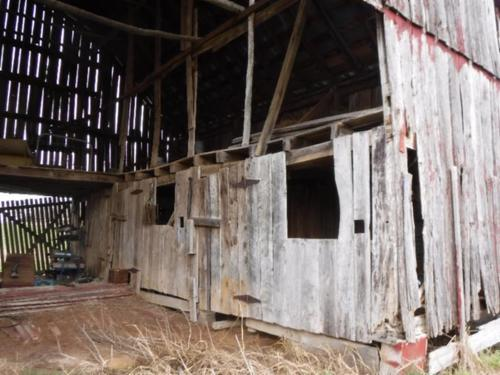 land barn spring mountain views property allons tennessee